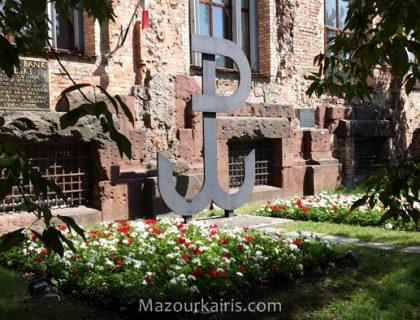 ワルシャワ歴史巡り観光スポットワルシャワ蜂起