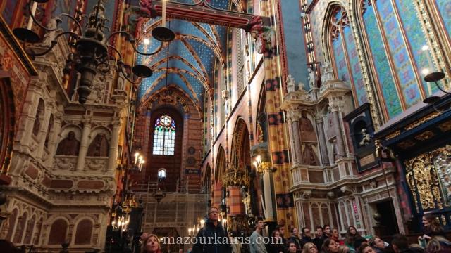 秋のクラクフ旧市街観光みどころ聖マリア教会