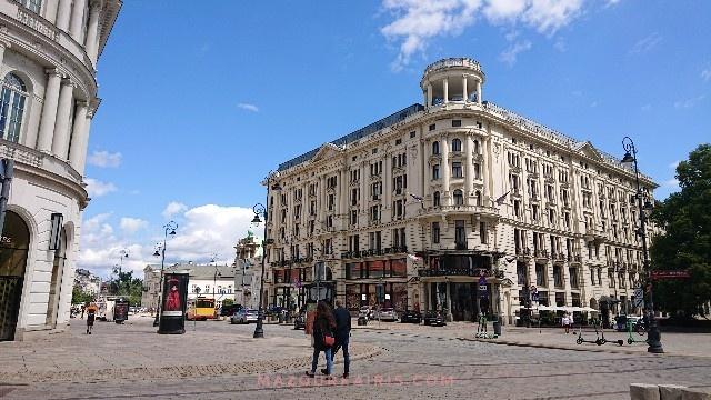 ワルシャワ旧市街夏7月観光ブリストル