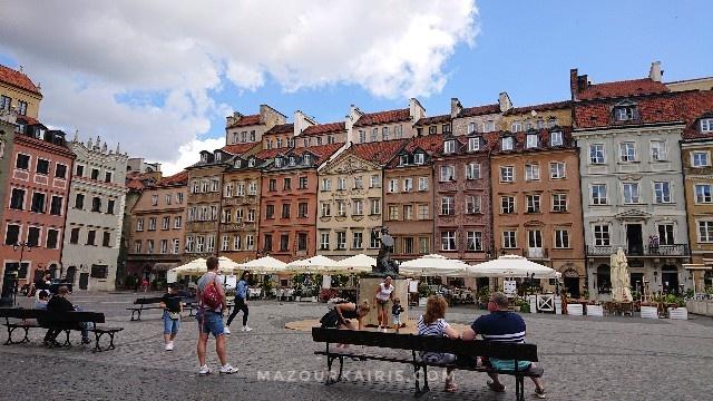 ワルシャワ旧市街夏7月観光馬車コロナ影響