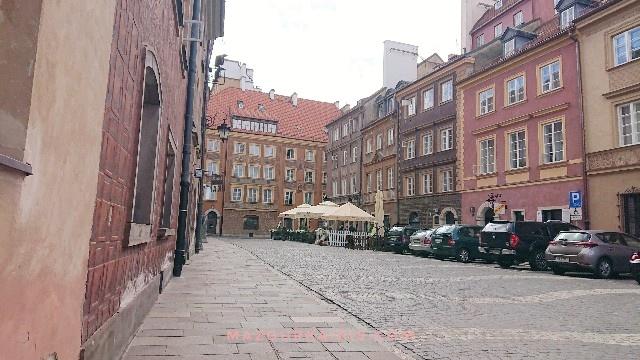 ワルシャワ旧市街夏7月観光馬車
